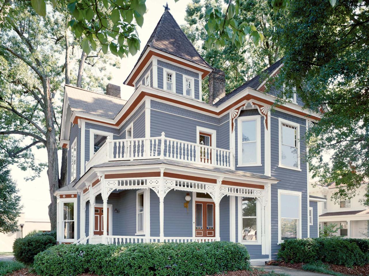 Vertical Victorian And The