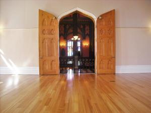 baton-doors